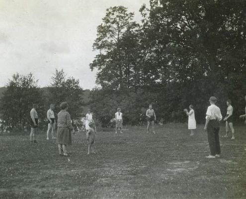 Urlaub am Tornowsee, Ballspiel am Tornowsee