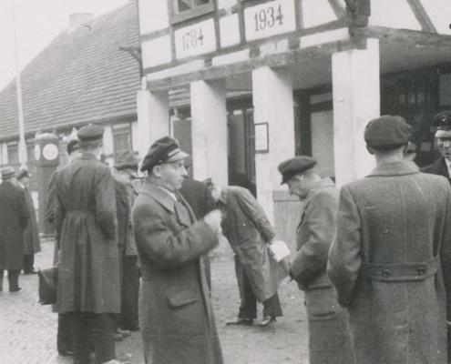 Bußtag, nach Finkenkrug (vor dem Restaurant Zum Schwanenkrug/Schönwalde)