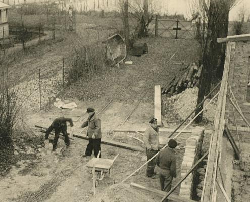 Anbau der Vereinsmesse (Viele Steine gab's und auch Bier)