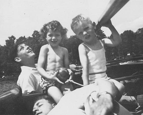 Klaus Braschoß, Renate und Manfred Richter (von li.), Kurt Richter (liegend)