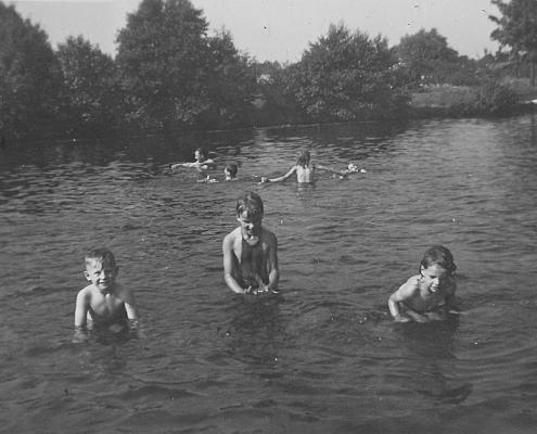 Manfred, Doris Segeletz und Renate Richter an der Badestelle vom Aalemannkanal
