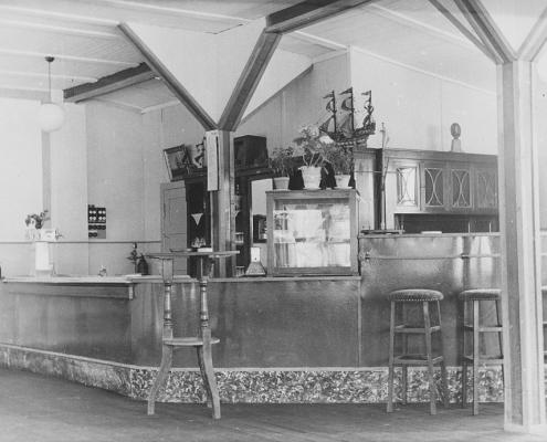 Erstausstattung des neuen Clubheims, Tresen und Küchenraum