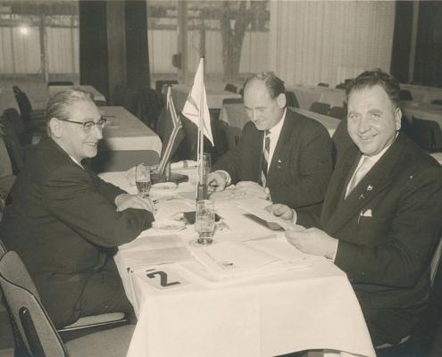 Seglertag des DSV in Berlin mit Bernhard Nölte, Heinz Schneider und Kurt Richter (Tischstander vom SKT Teufelsbrück und vom SCN)