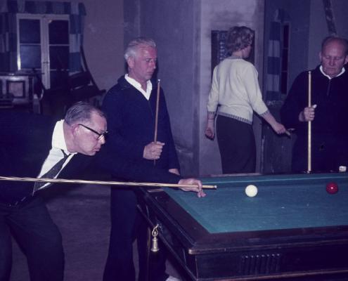 Billardspieler: Ladislaus Andreowitz, Rudi Rothermund, Robert Winkelmann