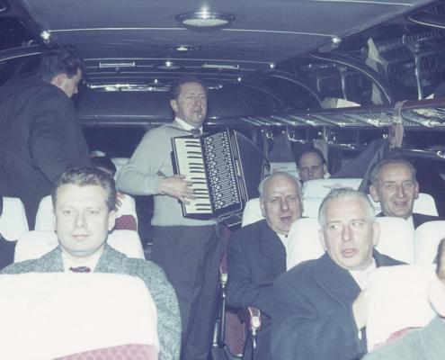 Herrenpartie am Bußtag: Busfahrt mit Fritz Dembiak, Gerhard Virgils, Gerhard Schäfer am Akkordeon, Klaus Liesecke, Erich Krause & Rudi Rothermund