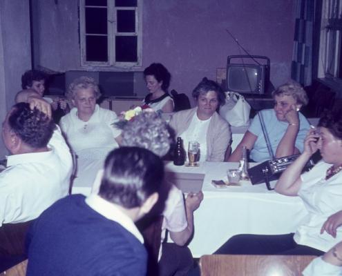 Abends im Club: Klara Winkelmann, Anni Gutsche, Hildegard Richter & Inge Virgils