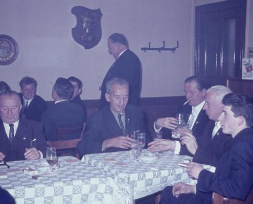 Bußtag Herrenfahrt: am Tisch (Wilhelm Schindler, Erich Krause, Herbert Berlin, Rudi & Bernd Rothermund