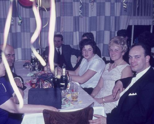 Silvesterfeier: rechts außen (Jutta Quellhorst, Doris & Dieter Wachholz)