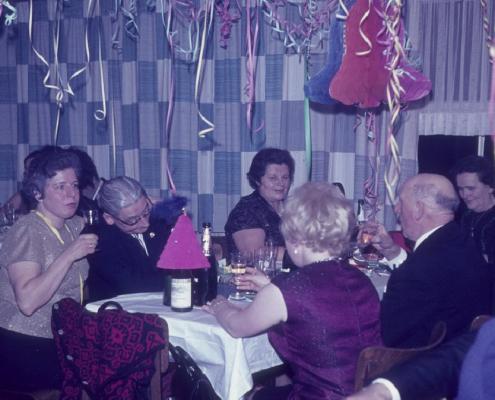 Silvesterfeier: Herta und Bernhard Nölte, Frau Borisch, Paul Schlenger mit Tochter & Hilde Krause