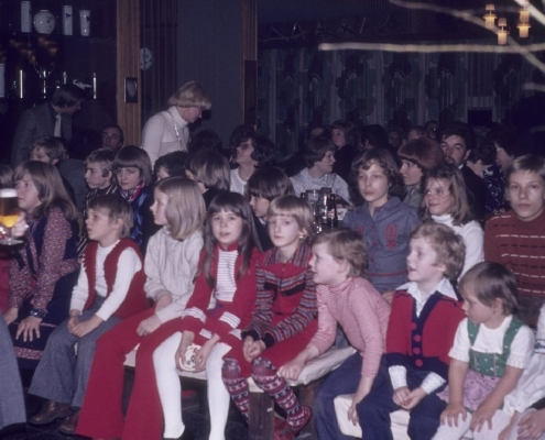 Weihnachtsfeier: links: Petra Küchlin