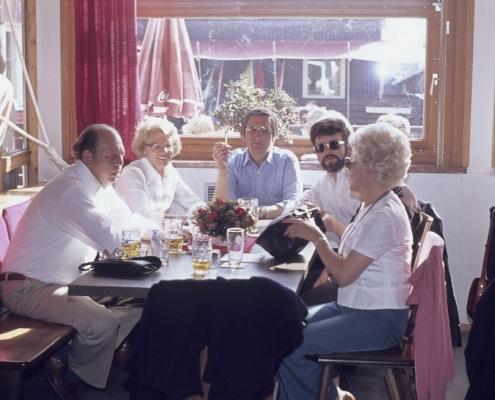 Am Starnberger See: Dieter Jaeger, Ruth und Dietrich Balzer, ?? & Vera Jaeger