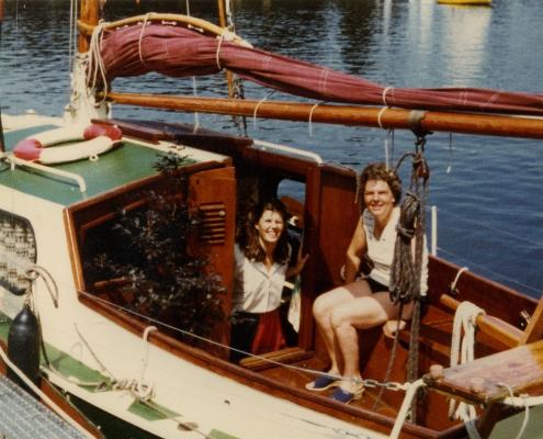 Die Rotbuche im Schiff (links vor der Kajüte)